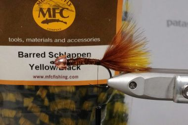 MFC Barred Schlappen feathers yellow/black